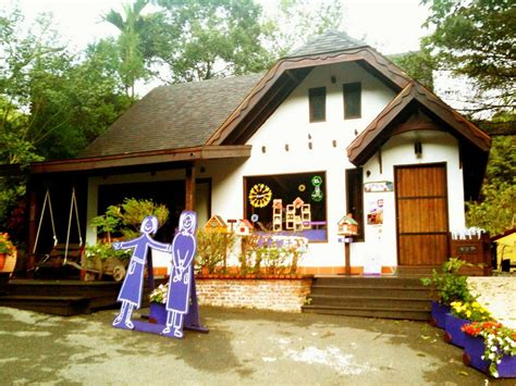 file sweet grass house lavender cottage jpg wikimedia