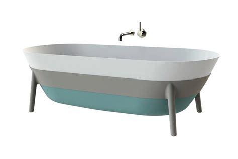 fön badewanne minimalistische badewanne quot tricolore quot kaldewei bild