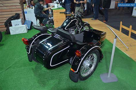 ural royal enfield standi  motosiklet fuari fotograf