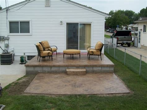 concrete patio ideas for small backyards landscaping