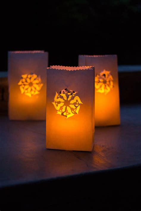 How To Make Luminaries With Paper Bags - luminary diy backyard ideas allfreeholidaycrafts