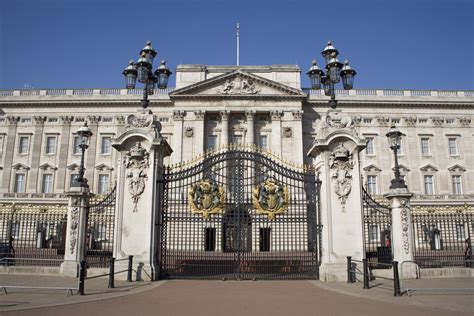 buckingham palace royal london tour and visit inside buckingham palace