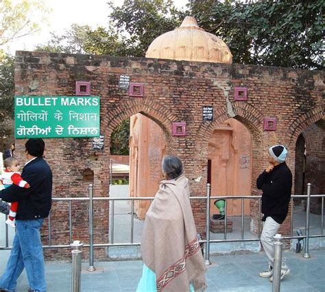 Essay On Jallianwala Bagh In Language by Lest We Forget 5 Photos That Remind Us Of What Happened At Jallianwala Bagh Sbs Your Language