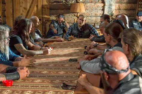 Sons Of Anarchy Meeting Table Sons Of Anarchy Recap Of Quot Salvage Quot W Episodic Pics