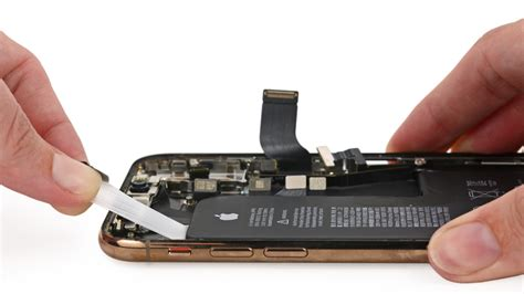 teardown of iphone xs reveals new l shaped battery