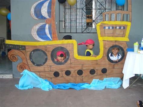 barco pirata halloween barco pirata piratas pinterest peter pan party