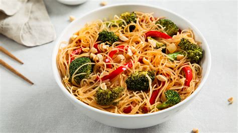 recipes for rice noodles vegetarian rice noodle bowl with broccoli and bell peppers recipe