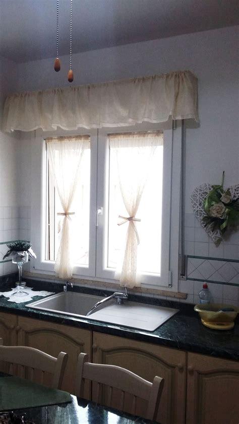tende in stile provenzale a vetro in tulle e con mantova - Tendaggi Stile Provenzale