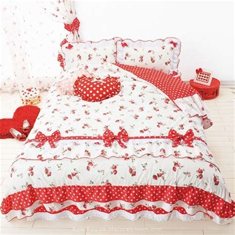 strawberry shortcake bedroom 17 best images about strawberry shortcake bedding on