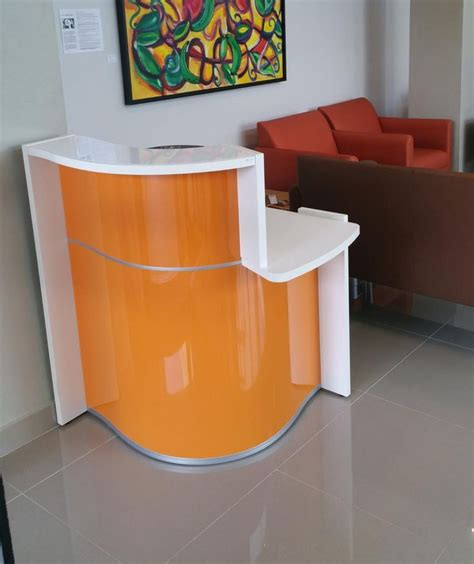 Minimalist L Shaped Desk 25 best ideas about small reception desk on pinterest