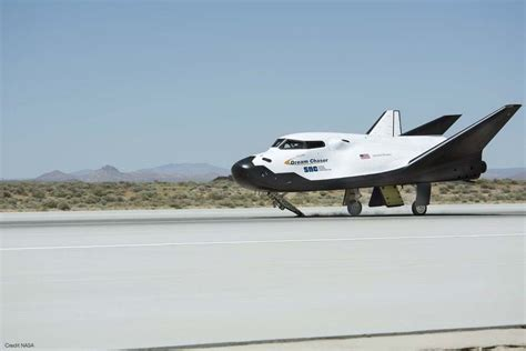 finally dream chaser successfully completes  glide