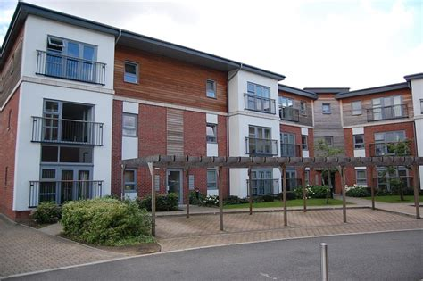 2 bedroom flat to rent in romford 2 bedroom flat to rent in derwent court riverside close