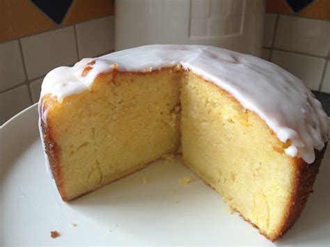 best lemon cake the best lemon drizzle cake bwyta
