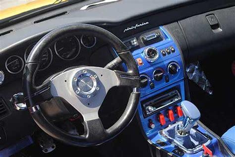 tuning interni auto donne motori show tuning dettaglio volante isotta e