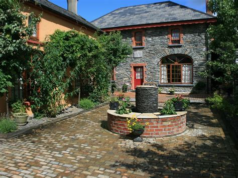 Cottages In Killarney Ireland by Killarney Cottage Spectacular Coach House On The