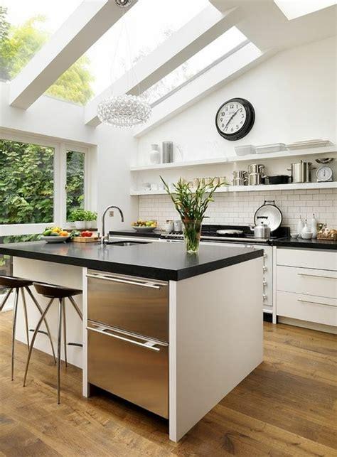 騅ier cuisine en r駸ine la cuisine avec verri 232 re les conseils des sp 233 cialistes