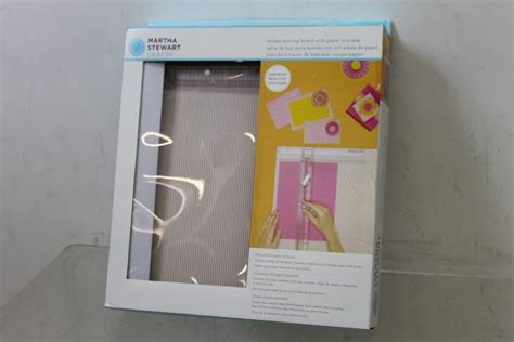 Martha Stewart Crafts Paper Trimmer - bnib martha stewart crafts deluxe scoring board paper