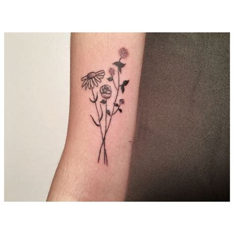 hand poke tattoo seattle tea leigh tealeightattos stick n poke brooklyn lady