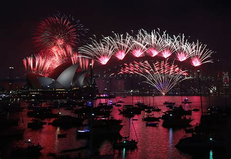 new year celebration live photos new year s celebrations around the world as