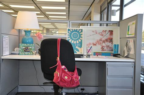 cubicle chic professionals cubicle decorating ideas trellischicago