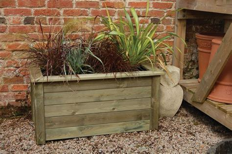 Wooden Garden Planters Large by Best 25 Large Wooden Planters Ideas On Large