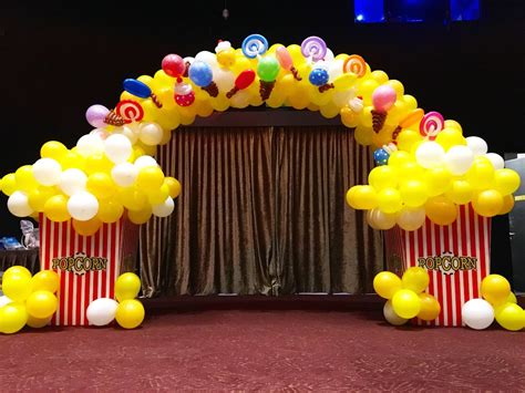 Balloon popcorn and candy arch that balloons