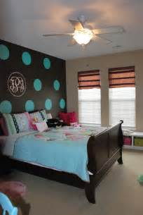 remodelaholic tween bedroom with polka dot walls