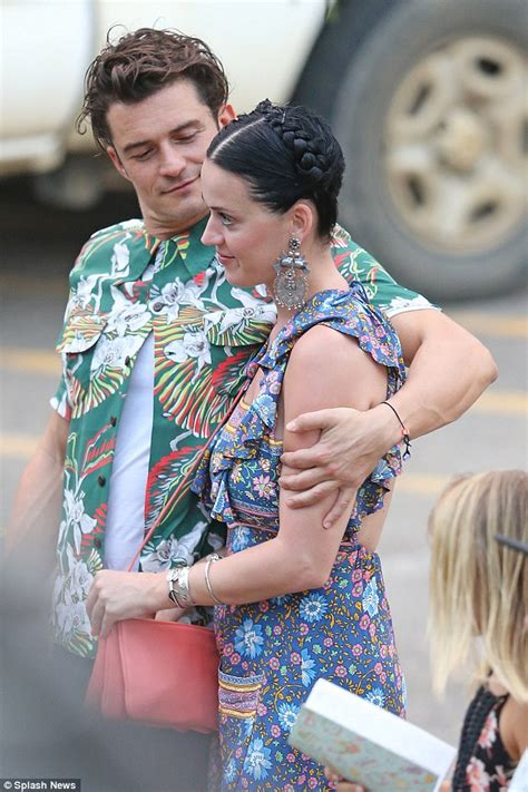 orlando bloom song orlando bloom gazes at katy perry on first romantic