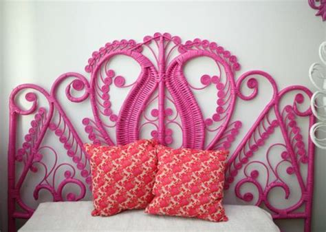 hot pink headboard old wicker headboard can of spray paint awesome diy