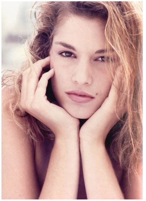 becoming cindy crawford 0847846199 cindy crawford annuncia il ritiro vogue it