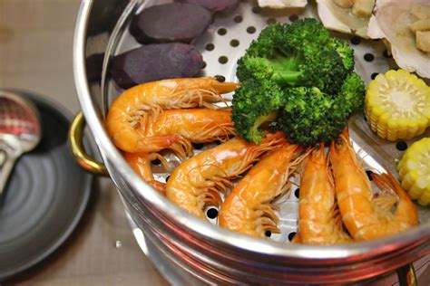 Seafood Picks Korekan Seafood Isi 2 k tower korean layered seafood tower with army stew steamboat danielfooddiary