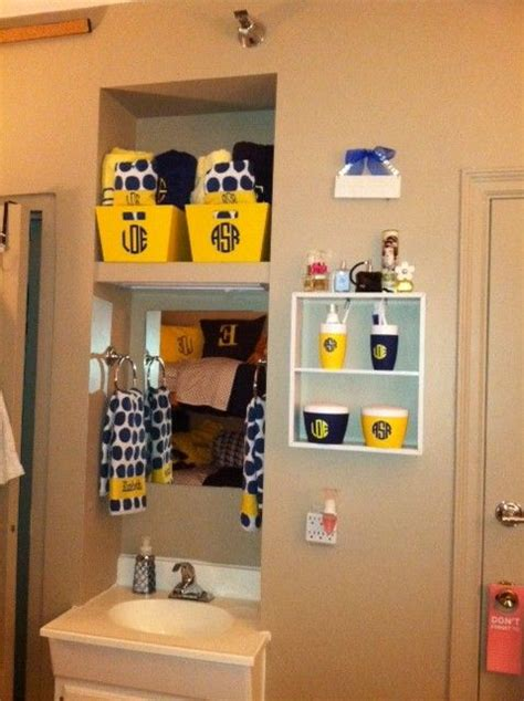 dorm bathroom ideas 1000 ideas about college dorm bathroom on pinterest