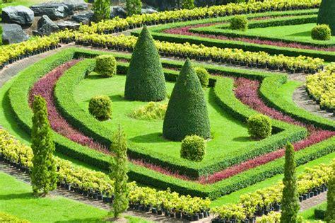 build  knot garden  photo designs