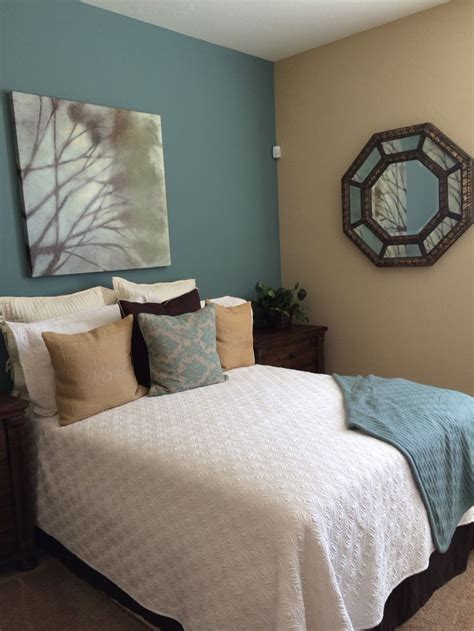 sherwin williams moody blue sherwin williams paint moody blue row house tan