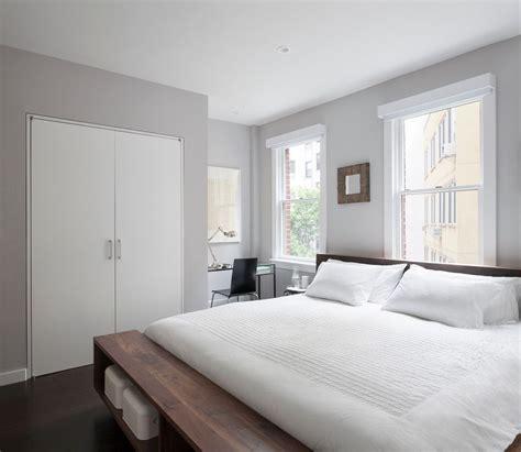 modern master bedroom paint color benjamin mist