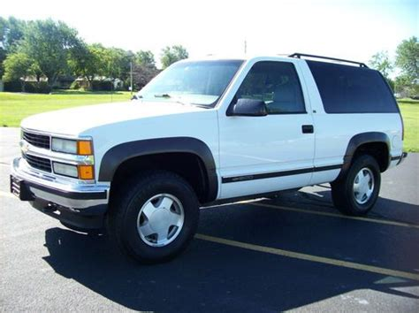 1996 2 Door Tahoe For Sale by Find Used 1996 Chevrolet Tahoe 2 Door 4x4 Lt 2d Loaded
