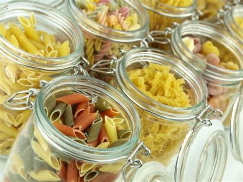 alimenti sfusi supermercato con prodotti sfusi e senza imballaggi a