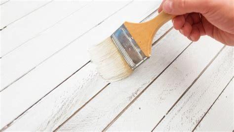 como pintar y renovar un mueble de madera paso a paso como pintar y pintura para madera