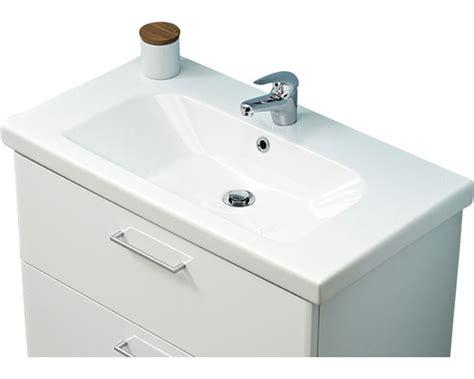 kleines bad optisch vergrößern pelipal m 246 bel waschtisch 83 cm keramik wei 223 bei