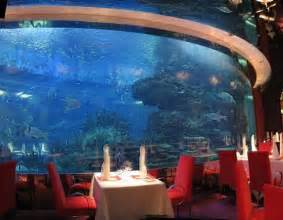 7 most underwater restaurants and hotels