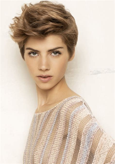 Coiffure Cheveux Court Attaché by Coupe Courte Femme Androgyne Lannaginasisi Site