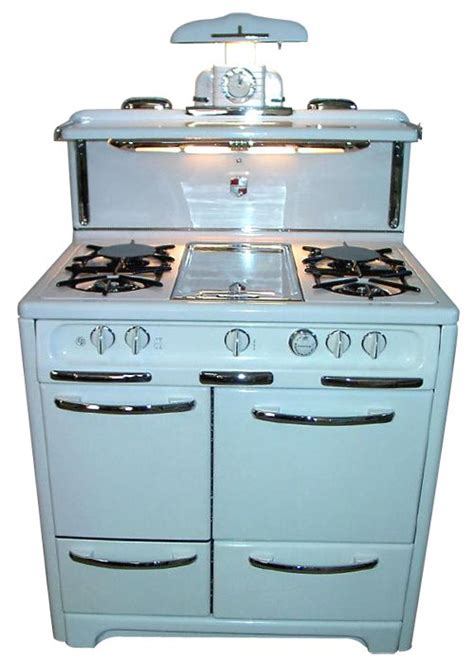 antique kitchen appliances the vintage kitchen appliances now this is how you outfit