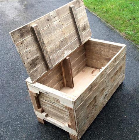 Formidable Fabriquer Un Banc De Jardin #5: coffre-en-palette-de-bois.jpg