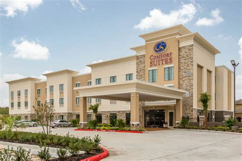 comfort suites houston book comfort suites houston i 45 north houston hotel deals