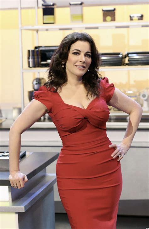 Red Milf Kitchen - nigella lawson no photoshop on my tummy for the taste ads photo huffpost