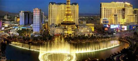 vegas attractions over christmas free things to do in las vegas lasvegashowto
