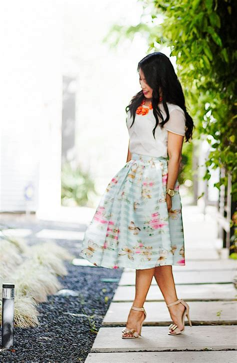 2 how to wear knee length skirts 1 outfit4girls