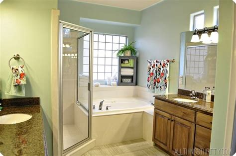 easy bathroom makeover ideas 17 best ideas about simple bathroom makeover on bathroom decor tiny bathroom