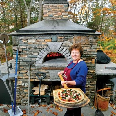 tim s backyard bbq kennebunkport pizza chef fires up backyard classes