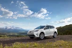 Toyota Suv Rav4 Toyota S Popular Rav4 Small Crossover Suv Becomes Safer
